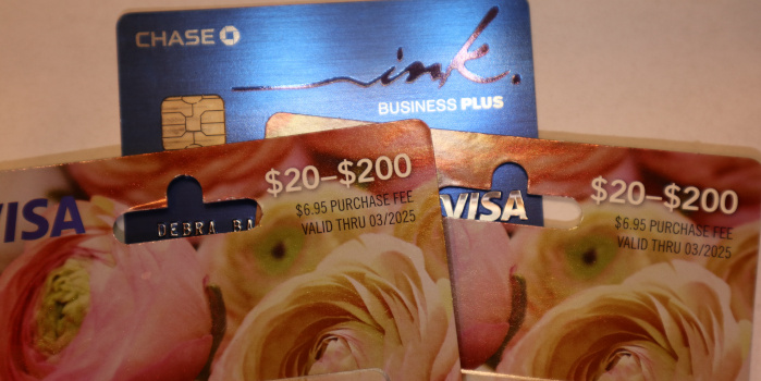 [Expired] Get $15 off $300 in Visa Gift Cards at OfficeMax